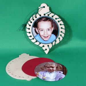 Handmade wooden round-and-shaped-lacing-ornaments with-pictures